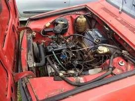 Renaut 12 anda bien tiene todos los papeles bien de cubierta electricidad falta cariño un poco del interior y usarlo
