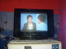 Vendo o cambio tv  21 puladasy un dvd