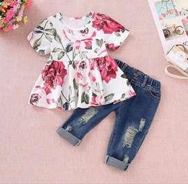 Conjunto Jeans Y Top Estampado Floral - Ropa Para Bebés
