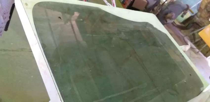 Vendo vidrio liso color marrón grueso 6mmm