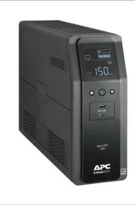 UPS APC Con regulación de voltaje y supresor de picos