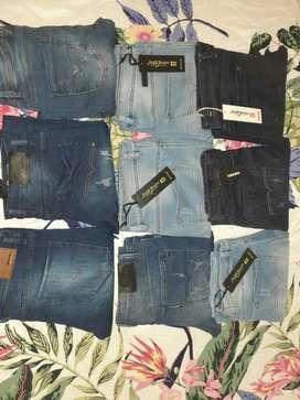 Saldo de 9 Jeans Importados