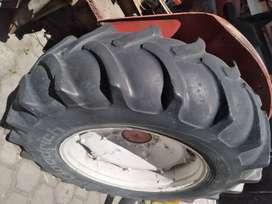 Respuestos de  tractor  844
