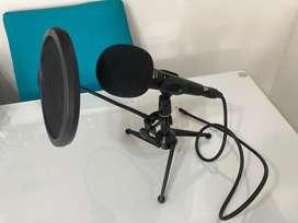 Microfono con soporte escritorio SHURE