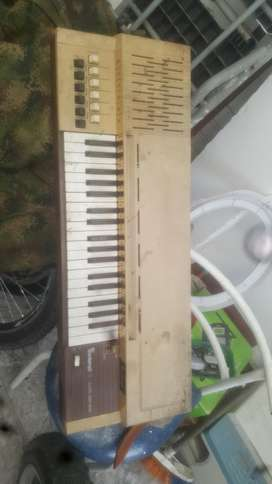 Organo Antiguo Bontempi B9