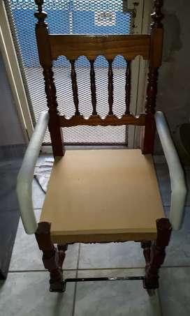 Vendo silla con rueditas