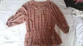 blusa estampada para mujer talla M color rojo Ellen tracy
