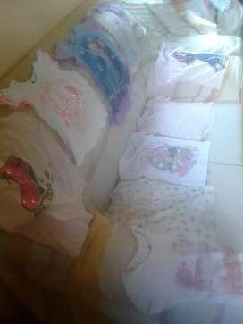 Ropita de niña de 2 años usada