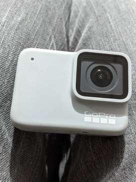 GoPro Hero 7 White Como Nueva Con Muchos Accesorios