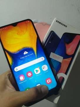 Samsung Galaxy A20 , Doble Sim Card, Caja, 1 año uso, 320