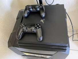 Playstation 4 PRO 1 TB usado excelente estado 2 controles + 2 juegos a elección