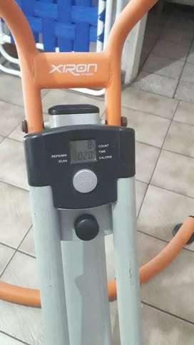 Máquina de abdominales..marca XIRON..con contador..de tiempo,calorías y repeticiones
