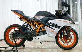 KTM RC 200 hermosa sport bike edición especial
