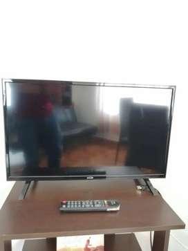 Se vende TV de 28''