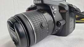 Cámara Nikon D5300 24.2mpx Dslr Wi-fi + 18-55mm + Extras