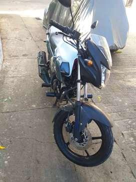 Vendo moto Yamaha szr al dia