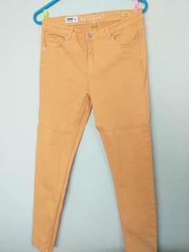 2 x 40 soles. Pantalones Mango, Basement, Gap, Marquis