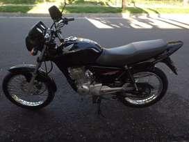 Honda titan 150cc muy buena