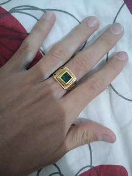 REMATE Vendo anillo enchapado en oro de 18 k