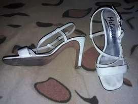Sandalias blancas 39 usadas