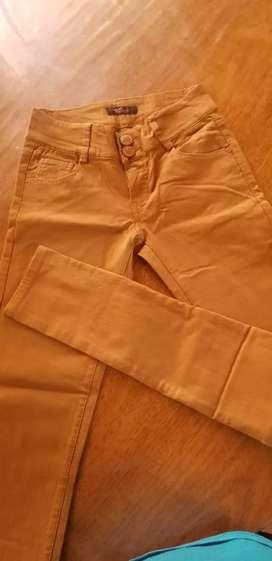 Pantalón elastizado color mostaza Talle M/S