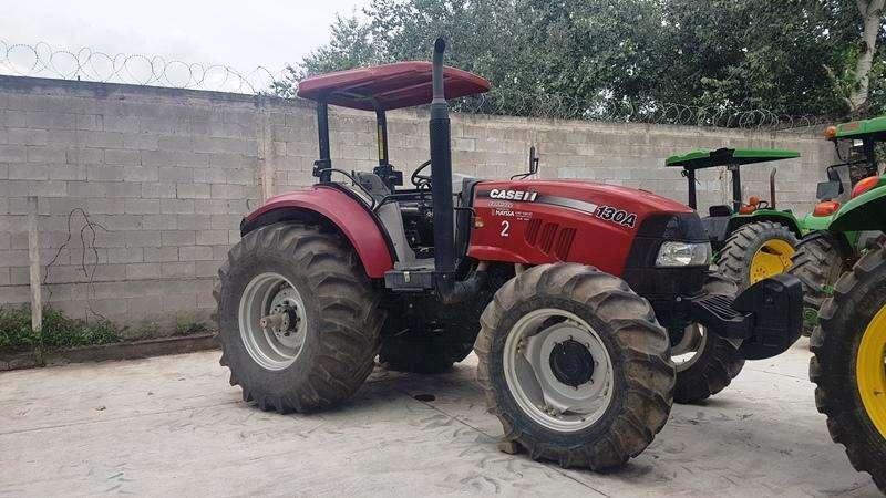 Tractor Case Farmall 130 año 216 130 HP 0