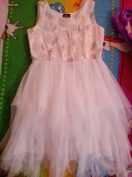 Vestido blanco  para niña talla 12 americano