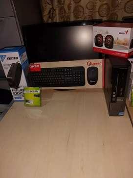 Computadora Dell con todos los acsesorios