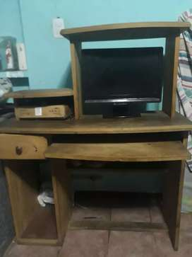 vendo escritorio de pino, perfecto estado