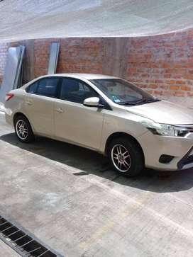 Vendo Toyota Yaris Full Gold