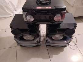 Equipo de sonido Panasonic con 17600