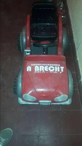 Vendo auto a bateria para niño
