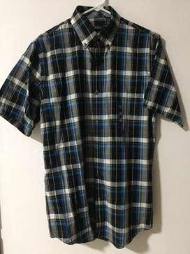 """Camisas Americanas marca """"Van Heusen"""", nuevas"""