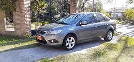 Vendo Ford focus EXE 2.0 año 12 con 140mil km llantas disco en las 4 ruedas