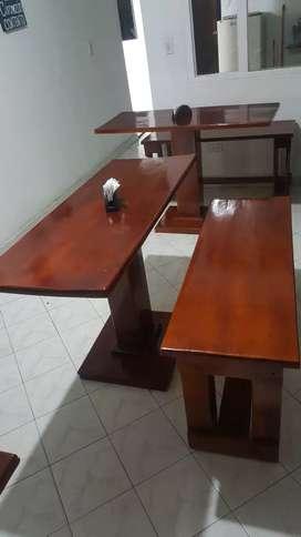 Vendo 13 mesas con su respectiva silla en madera, una freidora con su campana (sin usar)