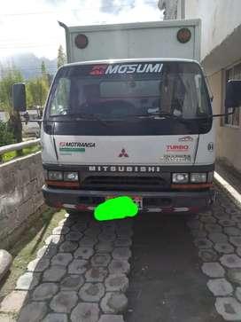 Vendo Hermoso camion mitsubishi todo al dia cualquer prueba bien mantenido el precio 16300 negociable