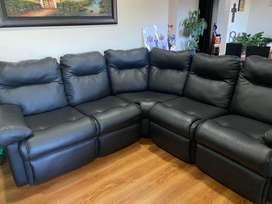 Sofa tipo L en cuero