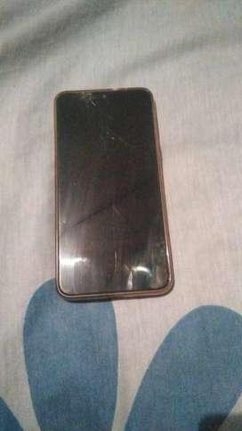 cambio mi motorola one macro por iphone 7 plus detalle glas rajado funciona ala perfeccion tengo su caja 4gb ram 64 gb a