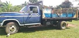 Se vende una ford 350   camión  motor a toda prueba enllantaditas