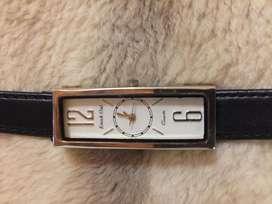 Reloj de mujer Marca Kcnot Out: moderno y elegante