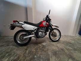 MOTO SUZUKI DR650