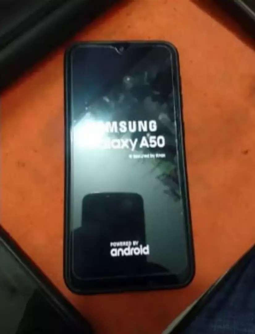 Samsung A50 libre impecable sin detalle 0