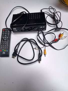 Decodificador TDT cables y control