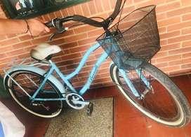 Se vende bicicleta playera (poco uso)
