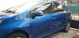 Prius C 29mil km full flamante placas de Pichincha..termina en 0