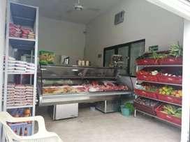 Se vende carnicería con fruver bien acreditada