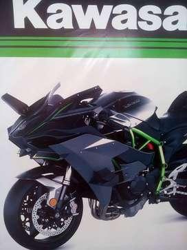 Busco ayudante mecanico de motos con experiencia o tecnico del sena en motos