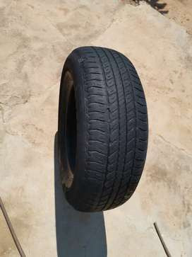 Llantas Bridgestone 265-65-R17