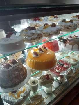 Profesional en pastelería,panadería y repostería.