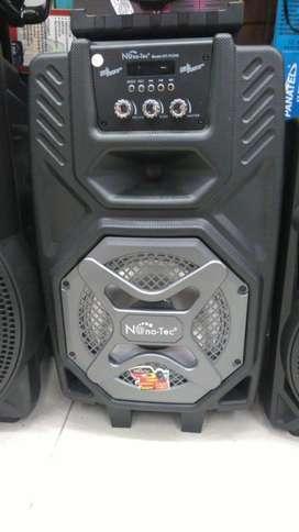 Cabina de 8' USB y bluetooth de 120w NUEVA